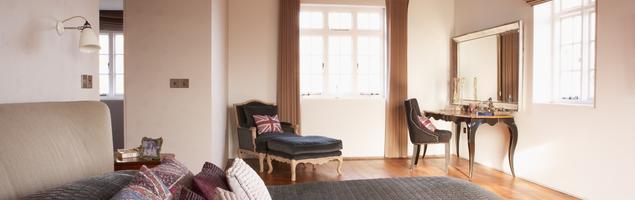 Sypialnia w stylu angielskim. Aranżacja wnętrza