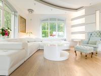 Aranżacja salonu - nowoczesne wnętrze i retro meble